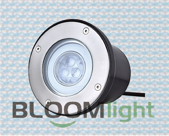 LED underwater lamp is made use of best superbright LED as light source,the bulb can be shined 100000 hours.Each underwater lamp is made up of 360PCS light sources(120Red Lighting,120Blue Lighting,120Green Lighting).Good light source material make lamp longer life and best lighting effects.LED underwater lamp is connected with one five core wire and control system.The whole system is including one DMX controller,one distribution box and can be put underwater lamp and distributor.